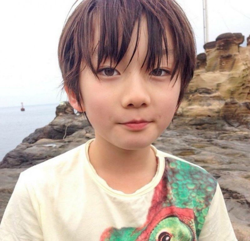 Instiz Ulzzang Kid Creating A Buzz In Japan Right Now