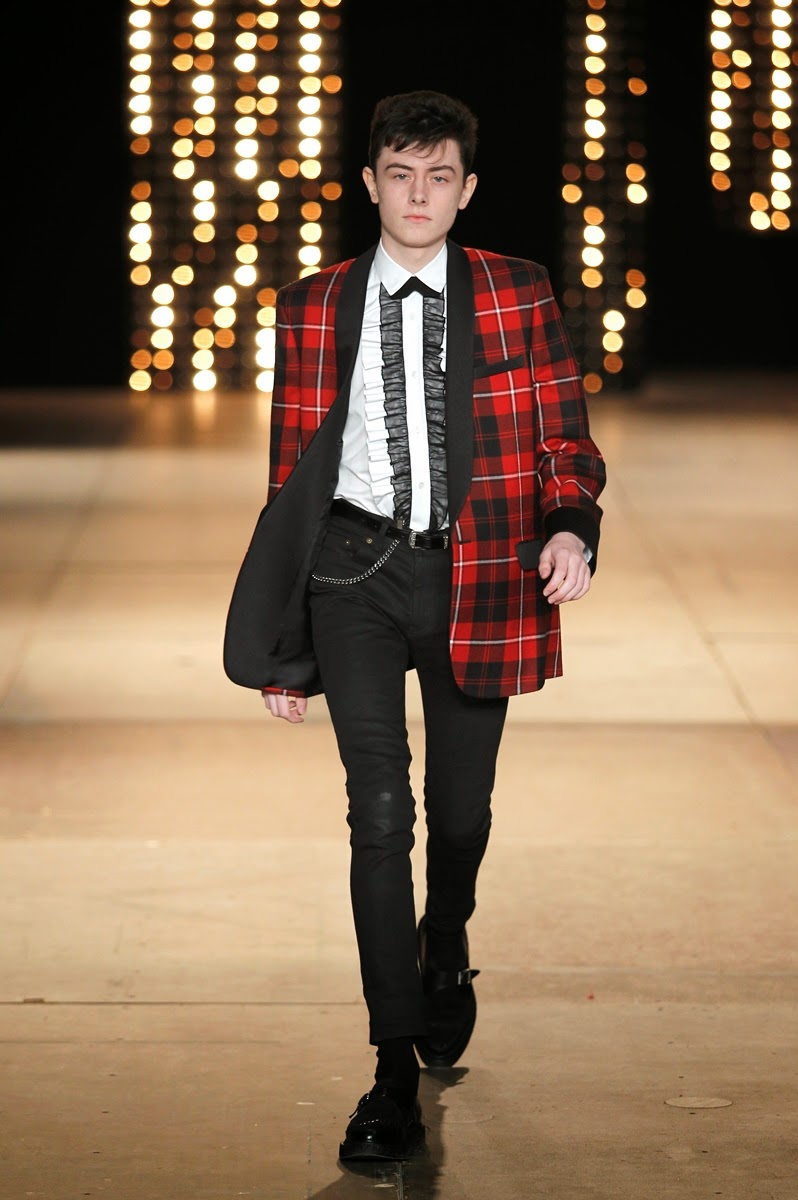 Saint-Laurent, Saint-Laurent-Paris, YSL, yves-Saint-Laurent, St-Laurent, yves-St-Laurent, Hedi-Slimane, collection-homme, automne-hiver, autumn-winter, fall-winter, du-dessin-aux-podiums, daft-punk, magazine-mode-homme, fashion-week-paris, paris-fashion-week, fashion-week, menswear, womenswear, mode-homme, mode-masculine, site-mode-homme, pret-a-porter-homme, new-look, blog-mode, karl-lagerfeld, fashion-blogs, costume-homme, mens-fashion, rive-gauche, fashion-runway, fashion-shows, pret-a-porter-feminin, hot-fashion, chaussures-mode