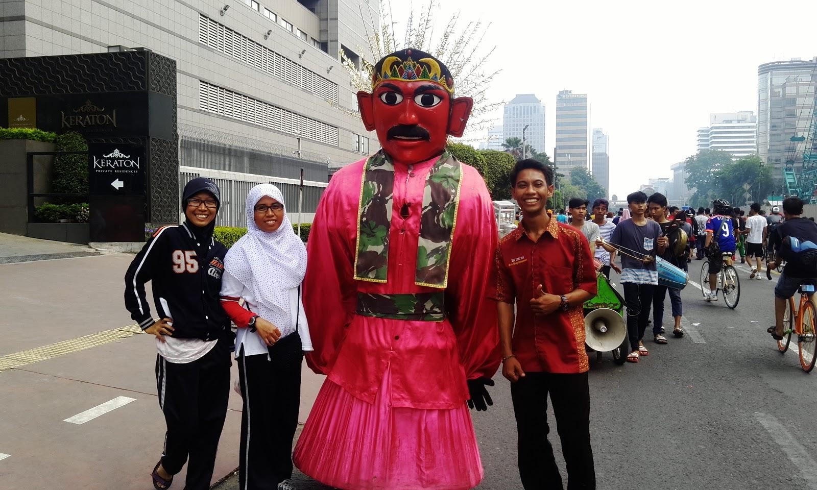 Sehari Mengelilingi Kota Metropolitan Jakarta