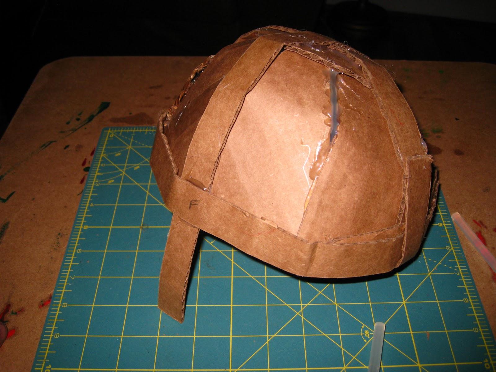 Шлем рыцаря своими руками 33
