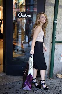 sammi hanratty shopping at aritzia fifth avenue in new york city 14.jpg