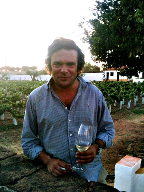 Divulgação: Joaquim Arnaud renova loja e passa a Wine Bar & Tapas - reservarecomendada.blogspot.pt