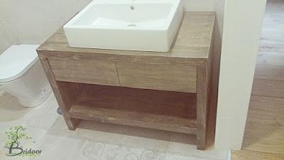 mueble teñido a medida para baño