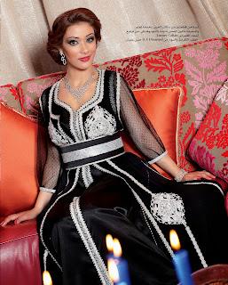 لبست قفطان مغربي من قطعتين من الموسلين والساتان مطرز و منبت بالشواروفسكي Luxury Caftan