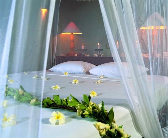 Fashion Of Life Style Wedding Bedroom Decoration