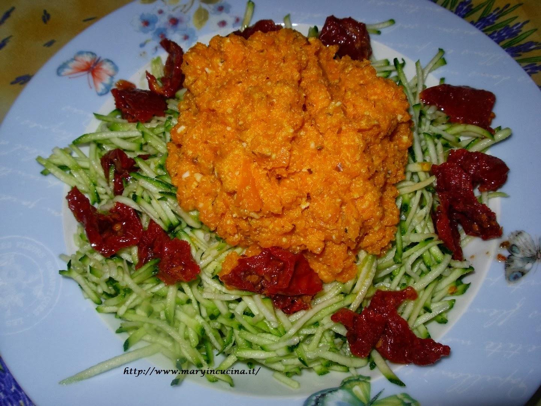 spaghettata colorata crudista