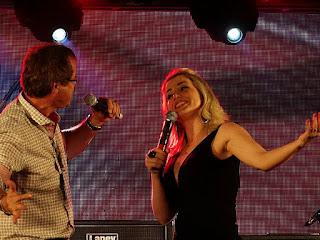 Tuta Guedes em dueto na Festa Nacional da Música.