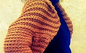 http://2chandmade.blogspot.com.es/2014/11/blusa-de-crochet.htm