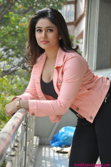 Poonam Bajwa Latest Hot Pics