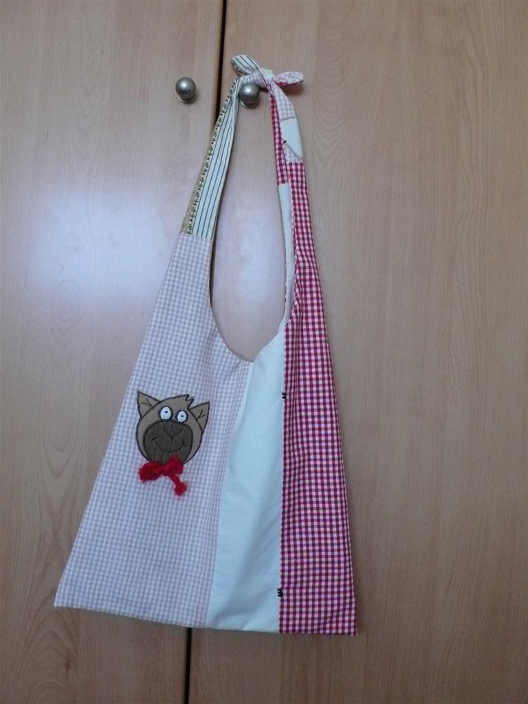 Manosobremano bolsos con retales - Muestrario de telas para cortinas ...