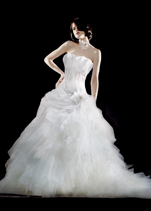 robes de mariage robes de soir e et d coration robe de mari e herv mariage. Black Bedroom Furniture Sets. Home Design Ideas