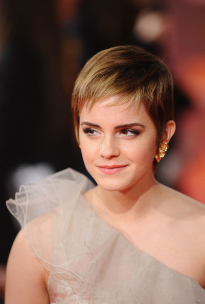 emma watson hair down. emma watson short hair photo