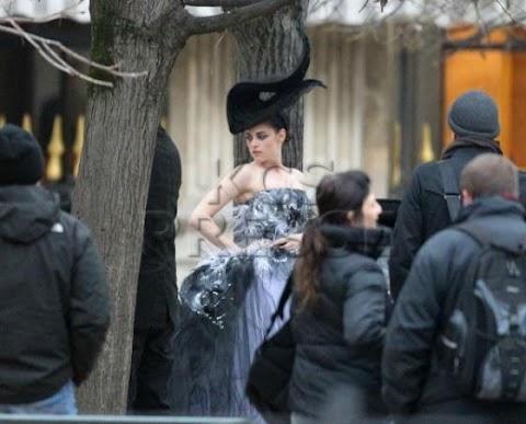 """Curiosidad:  """" Kristen Stewart """" deslumbra en  un nuevo photoshoot para Mario Testino en París"""