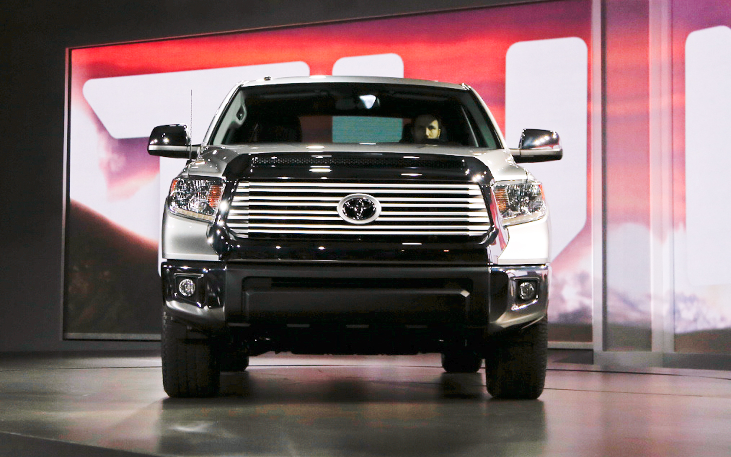 2014 Toyota Tundra Front End