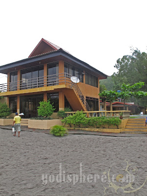 Canoe Beach Resort Cafe