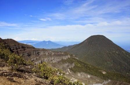 Gunung Gede : tempat wisata alam di cianjur yang terkenal