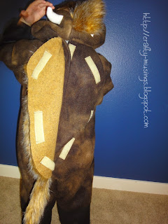 Baby Beefalo costume, back closure