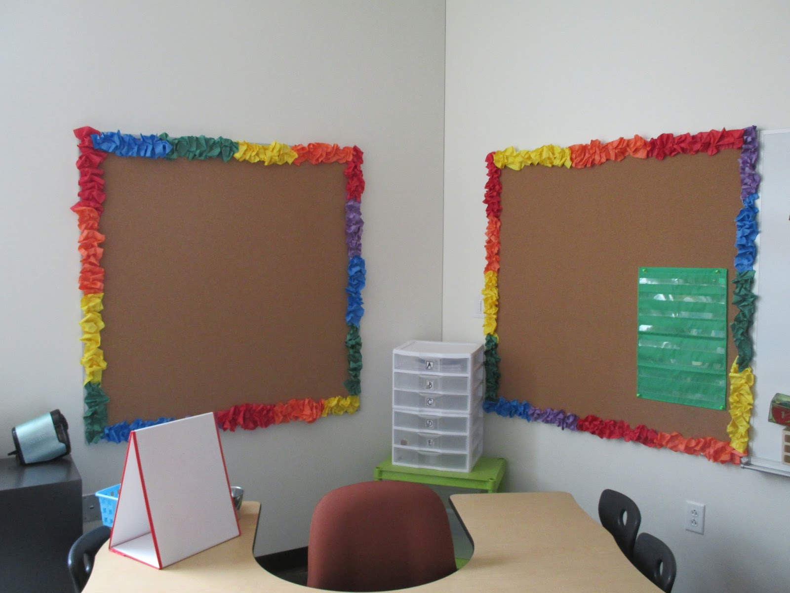 Classroom Border Ideas ~ If you give a teacher scrunchy borders