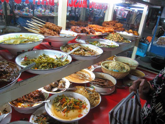 tips eat in bali