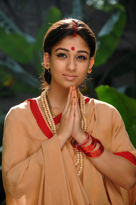nayanatara from sri rama rajyam, nayanatara in sitha getup actress pics