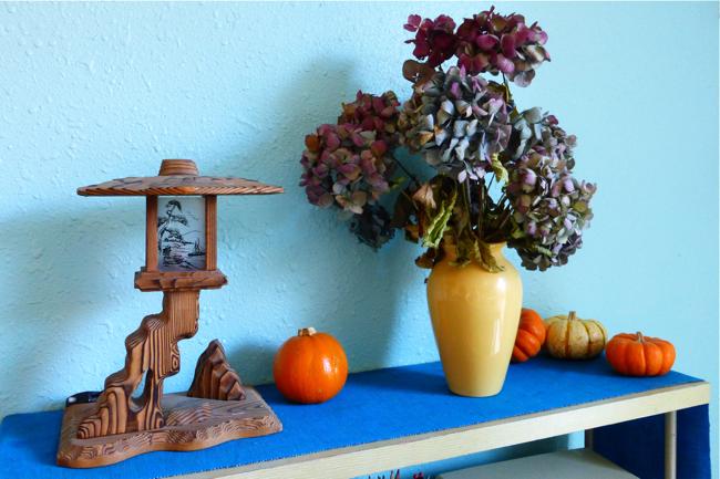 hydrangea, hydrangeas in vase, drying hydrangeas, colors of hydrangeas, Japanese nightlight, Shirokiya, Shirokiya nightlight, nightlight