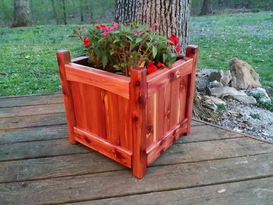 18-inch square Cedar Planter Box - by Woodworking Maniak