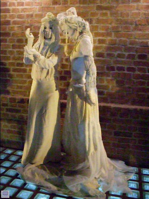 Estatua viviente estatuas vivientes fotos for Estatuas jardin