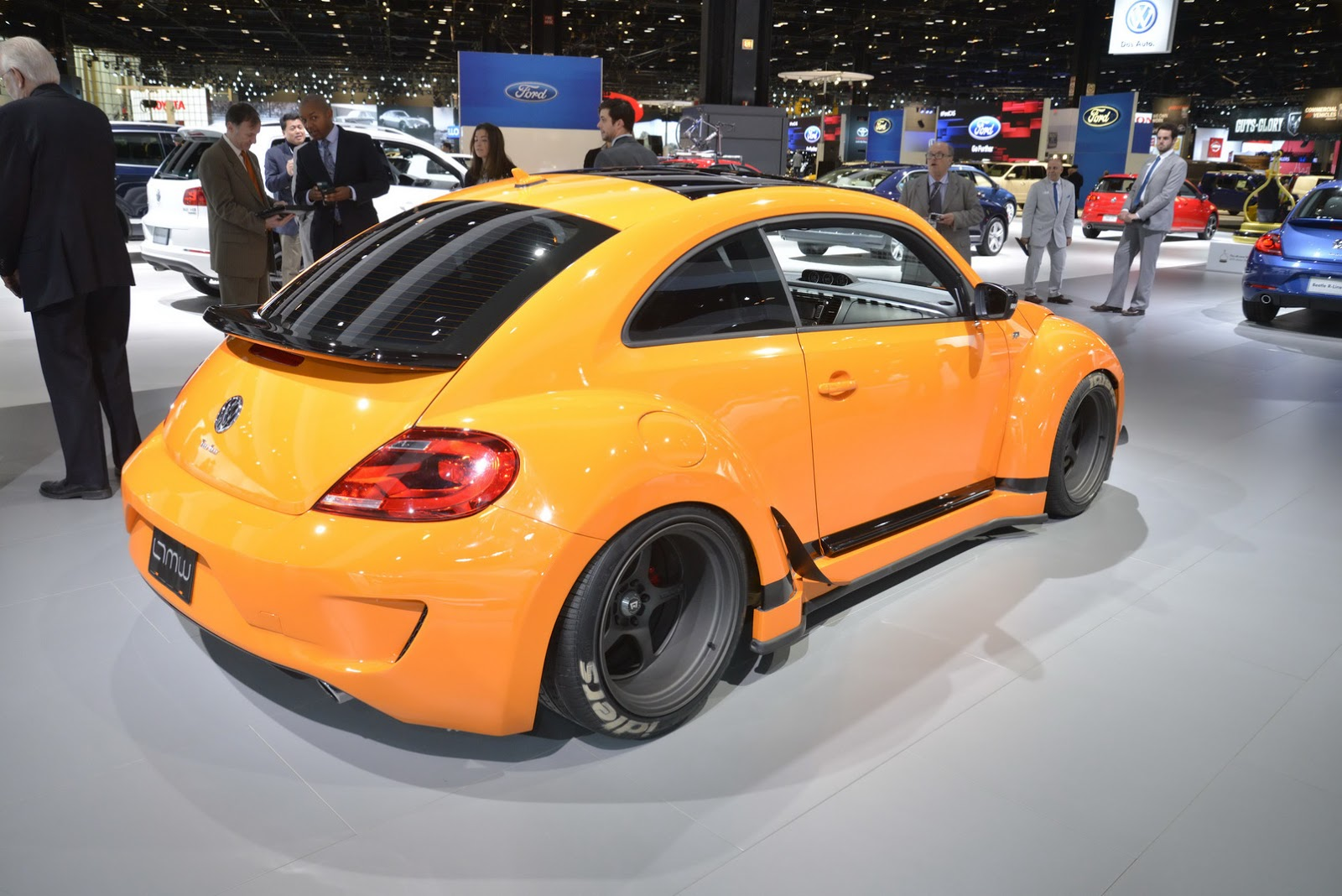 vw tanner foust racing eneos rwb beetle brings some color to chicago show carscoops. Black Bedroom Furniture Sets. Home Design Ideas