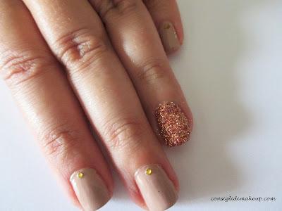 Nail art: Minimal nail art