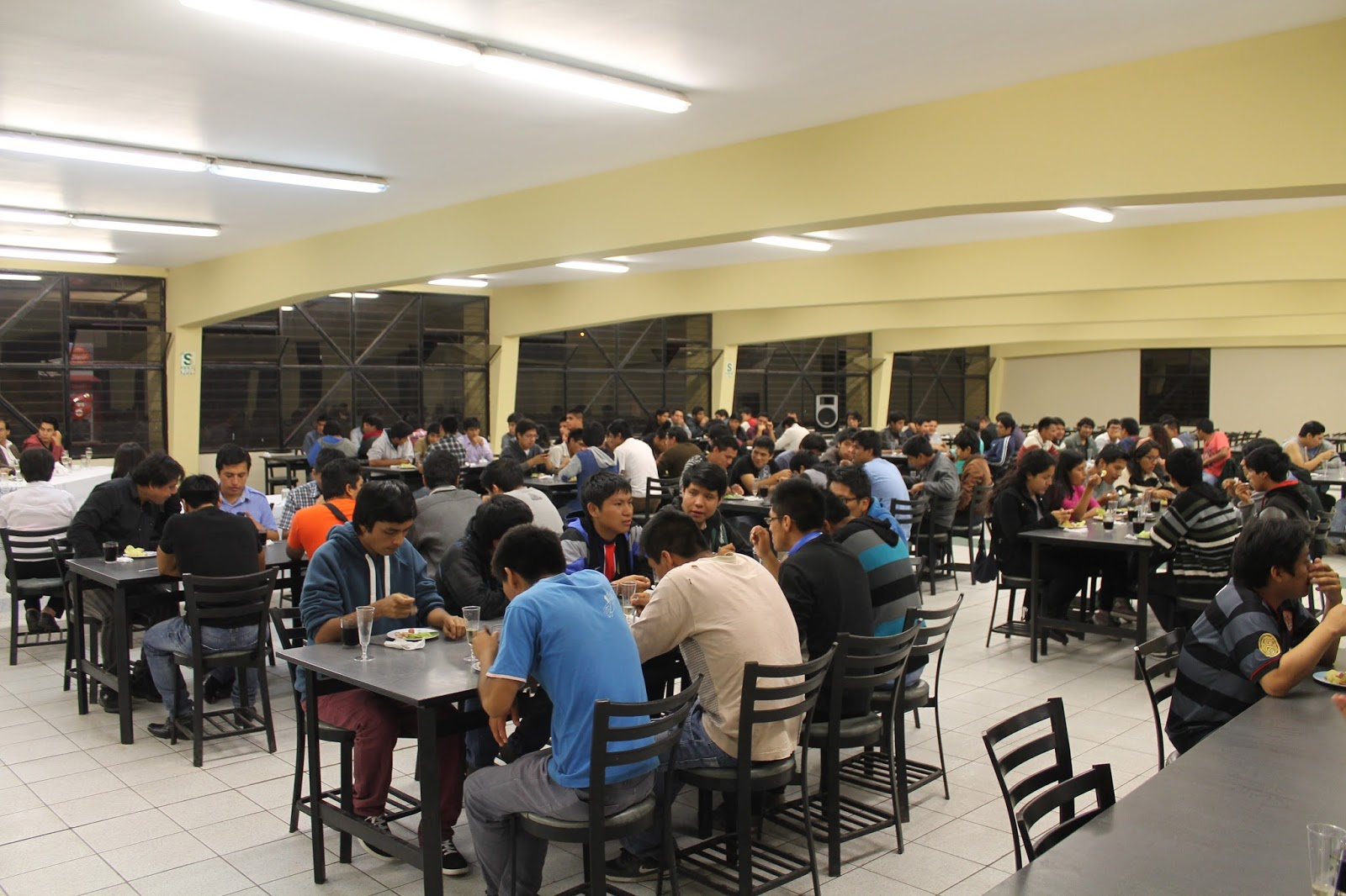 universidad nacional de ingenier a estudiantes de la On comedor uni