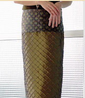 Straight skirt with contrast yoke