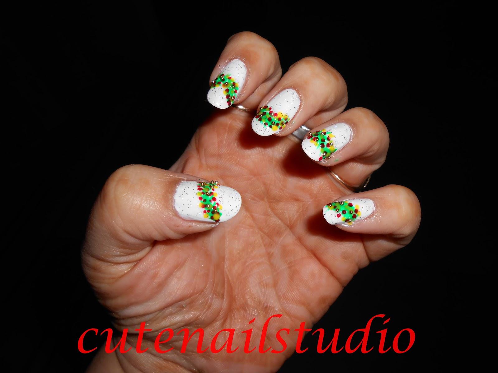 Cute nails: Christmas nail art challenge day 5: Christmas decorations.