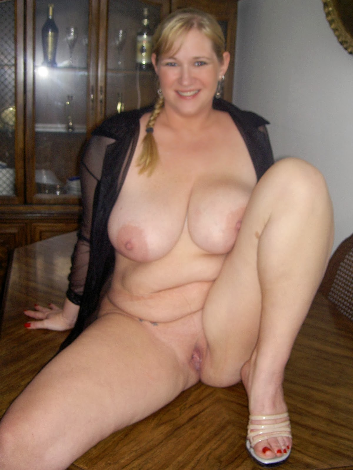 Naked thick wife