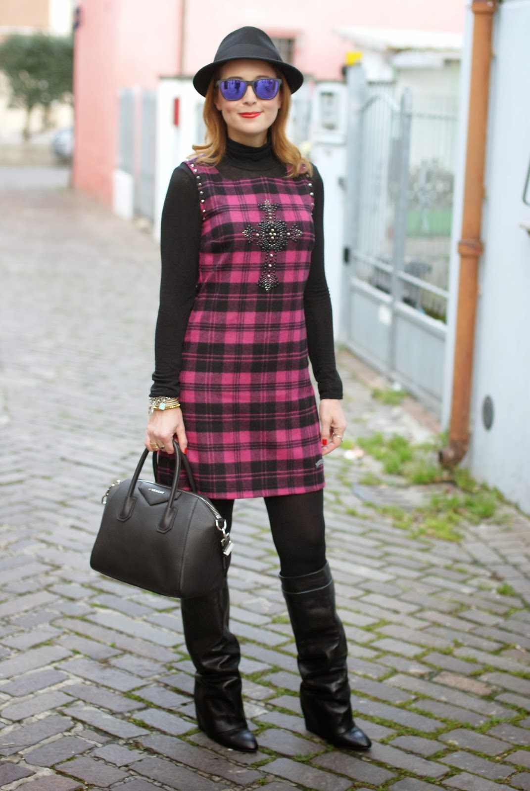 blugirl folies check dress, tartan dress, givenchy lookalike boots, givenchy antigona, Fashion and Cookies, fashion blogger