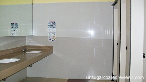 Gold's Gym Waltermart North EDSA Munoz locker room sinks and toilet