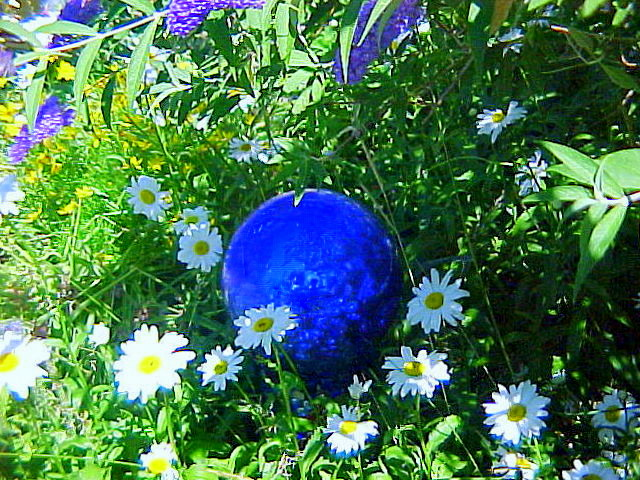 DIY Garden Art Glass Garden Balls