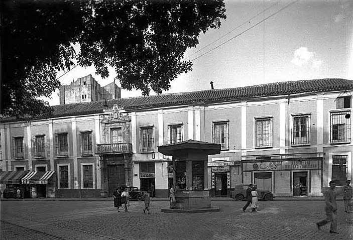 Palacio+Cavaleri+-+Plaza+del+Duque.jpg