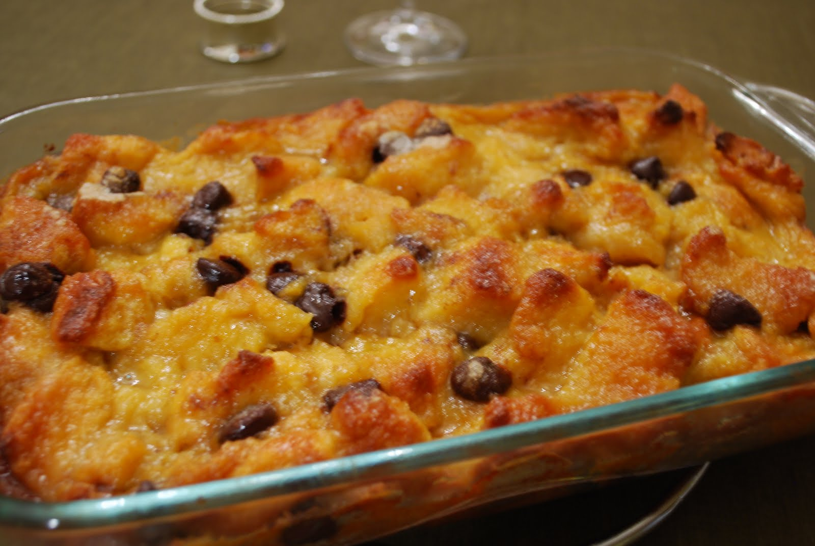 ... This and That: Dulce de Leche and Chocolate Chunk Bread Pudding