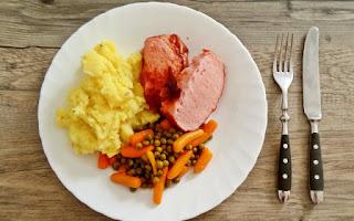 Variar cada día los alimentos en el plato