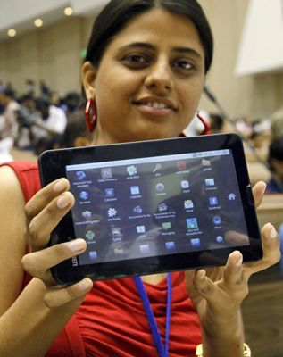 Aakash tablet PC - Rs 1,000 Now available to Mumbai students