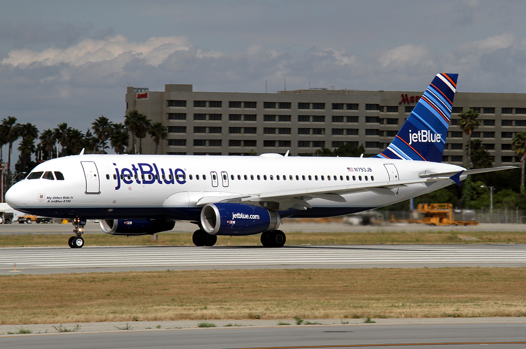 e190 a320 Jetblue airways has rolled out a special embraer e190 livery and a new  a320  fleet and that tradition is expanding to the airline's e190 fleet.