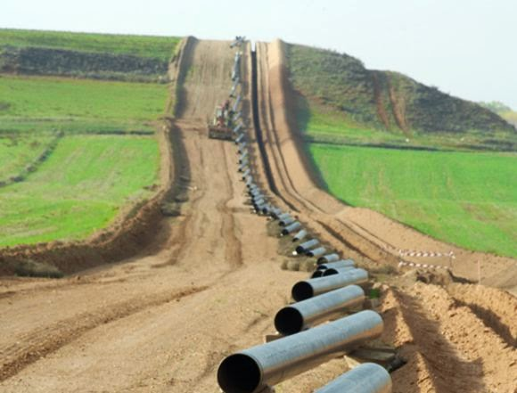 Image of pipes at the Bakken-Three Forks Rig Count