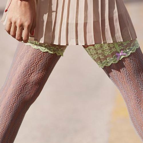 Ezüst csipke combfix harisnya lime csipkeszegéllyel - Calzedonia divat 2013 tavasz nyár