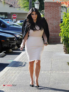 Kim Kardashian Pictures in Stylish Short Dress in Los Angeles  0007.jpg