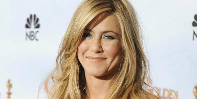 Aniston Jokes She Should Marry George Clooney