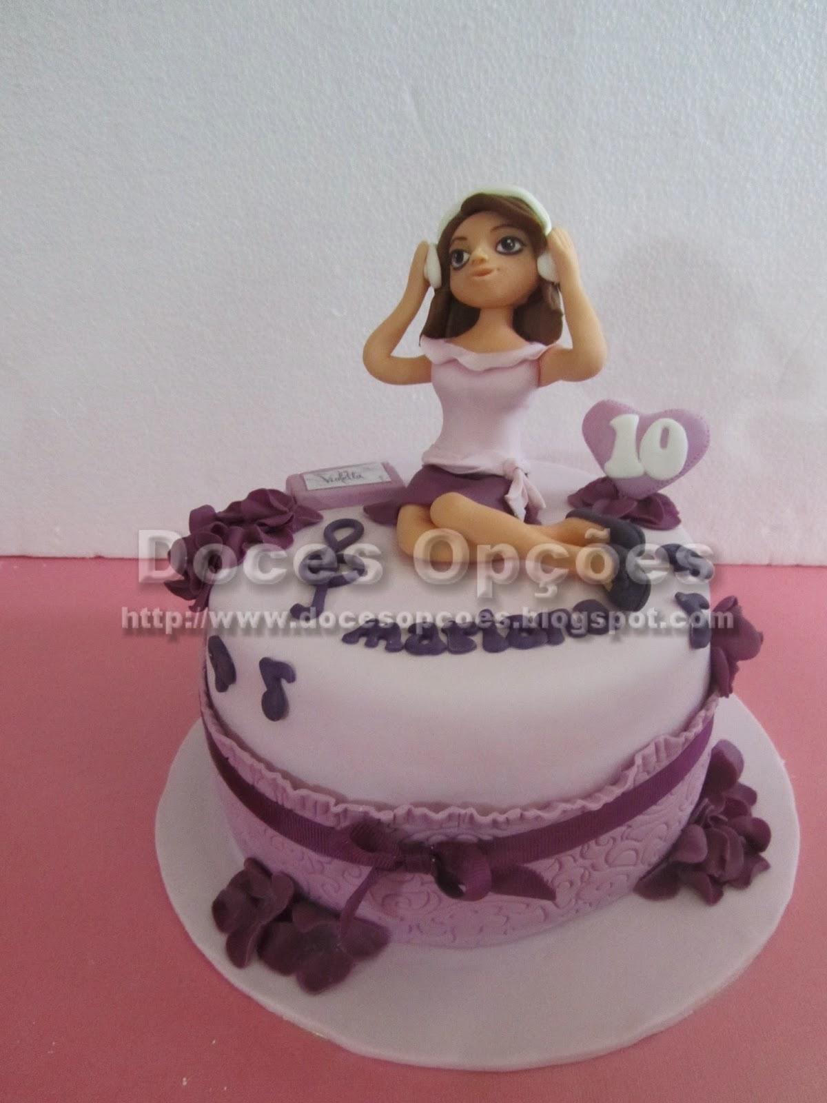 Bolo com a Violetta para o aniversário da Mariana