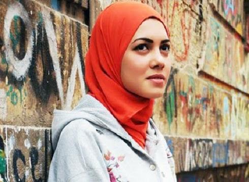 foto mayam mahmoud rapper cantik asal mesir yang berhijab