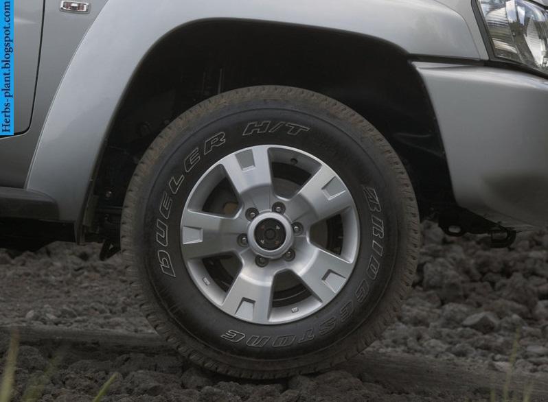 Nissan patrol car 2013 tyres/wheels - صور اطارات سيارة نيسان باترول 2013