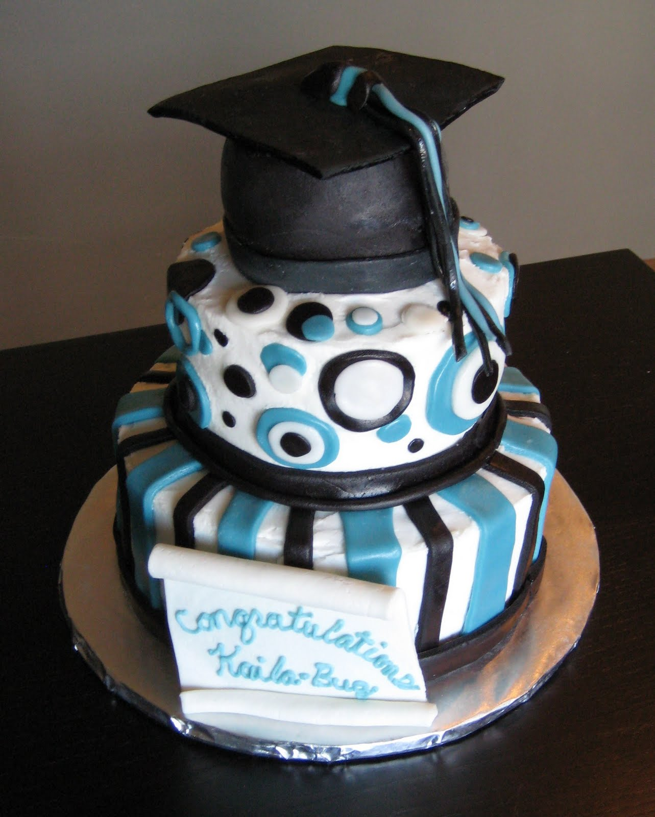 Cake Design Graduation : Custom Cakes by Julie: Graduation Cake & Cupcakes