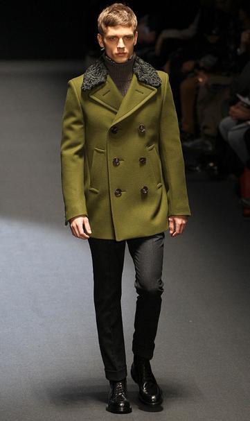 4939a7609db7 Ο διάσημος οίκος μόδας Gucci παρουσίασε τις προτάσεις μόδας για τον άνδρα  του 2013
